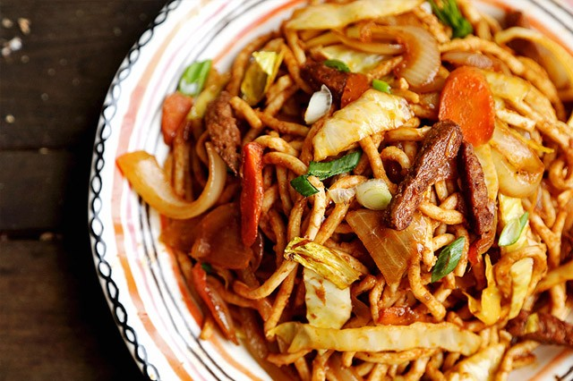 Vegan Mock Beef, Cabbage and Carrot Stir Fry Udon